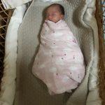生後11日 モロー反射が激しい…おくるみ作戦